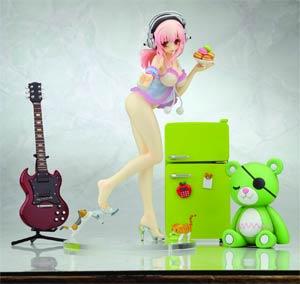 Creators Labo #28 Sonico PVC Figure Deluxe Version