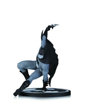 Batman Black & White Series Original Mini Statue By Bryan Hitch
