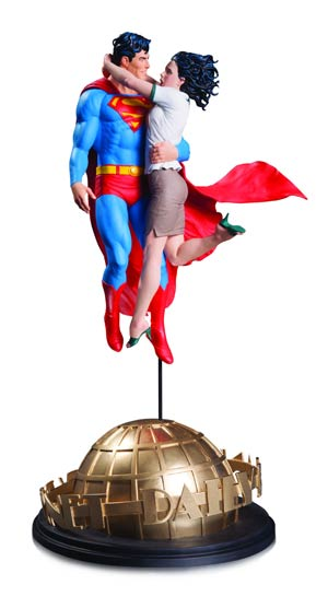 DC Comics Designer Series Superman & Lois Lane By Gary Frank Statue