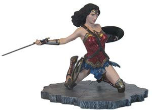 DC Gallery Justice League Movie Wonder Woman PVC Diorama Statue