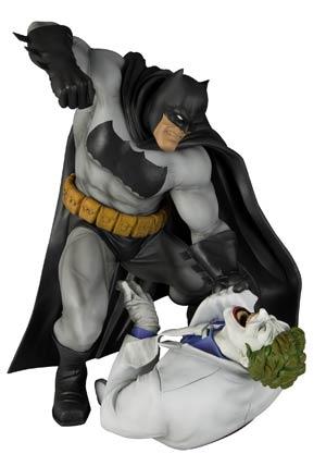 Dark Knight Returns Batman vs Joker ARTFX Statue