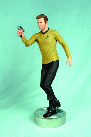 Star Trek Captain Kirk 1/4 Scale Statue