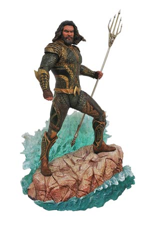 DC Gallery Justice League Movie PVC Diorama Figure - Aquaman