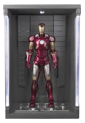 Marvel S.H.Figuarts - Avengers - Iron Man Mark VII & Hall Of Armor Set Action Figure