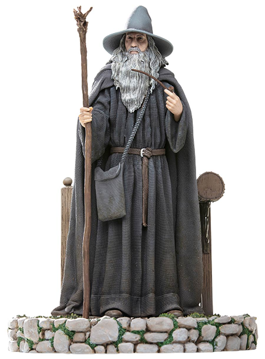 Lord Of The Rings Gandalf Deluxe Statue