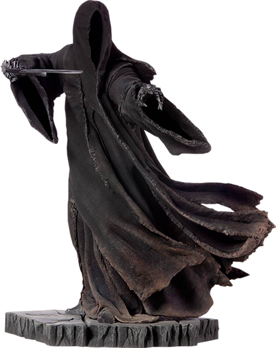 Lord Of The Rings Attacking Nazgul Statue