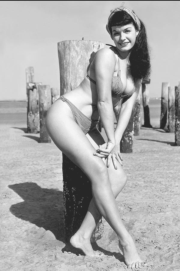 Bettie Page Unbound #3 Cover F Incentive Photo Virgin Cover