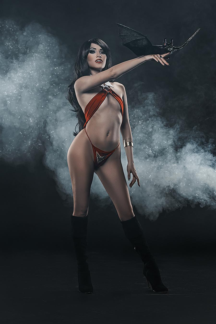 Vengeance Of Vampirella Vol 2 #1 Cover M Incentive Cosplay Photo Virgin Cover