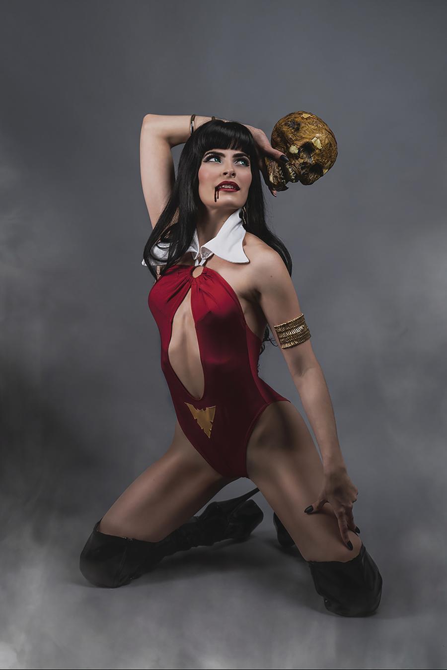 Vampirella Vol 8 #9 Cover O Incentive Teena Titan Cosplay Photo Virgin Cover