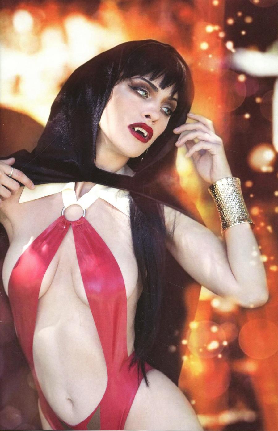 Vampirella Vol 8 #10 Cover P Incentive Nixie Sweet Cosplay Photo Virgin Cover