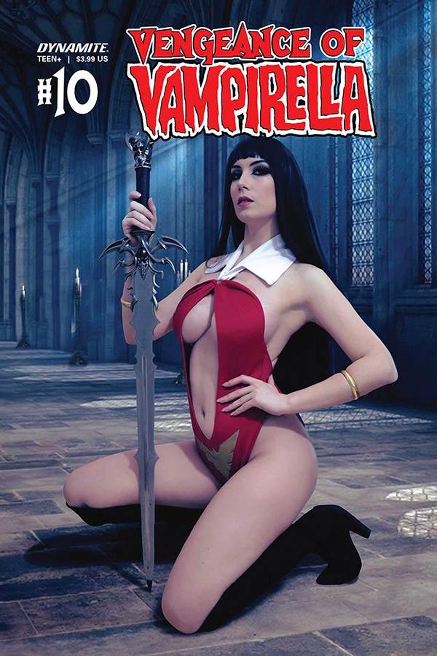 Vengeance Of Vampirella Vol 2 #10 Cover D Variant Giulietta Zawadzki Cosplay Photo Cover
