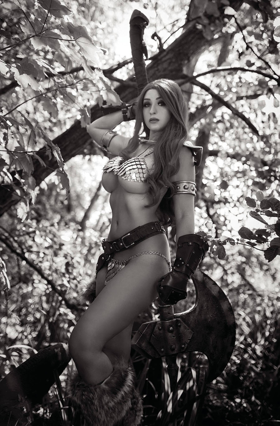 Red Sonja The Superpowers #1 Cover I Incentive Tabitha Lyons Cosplay Photo Black & White Virgin Cover